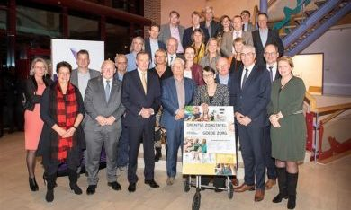 Minister Bruno Bruins te gast bij de zesde Drentse Zorgtafel
