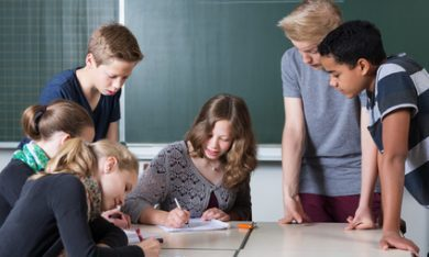 Minister Slob verwijst naar Drentse Onderwijsmonitor
