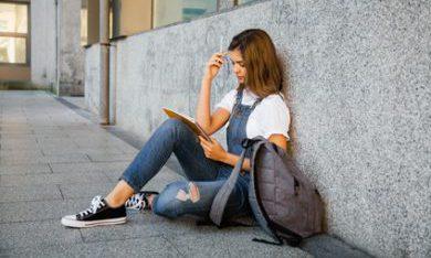 Taalachterstand voor het leven: groeiende groep jongeren verlaat school laaggeletterd // NOS Nieuwsuur