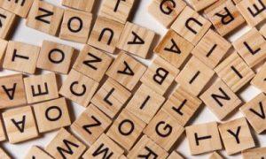letterblokjes door elkaar